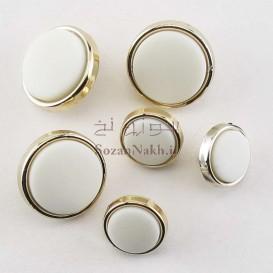 دکمه سفید گرد با قاب طلایی